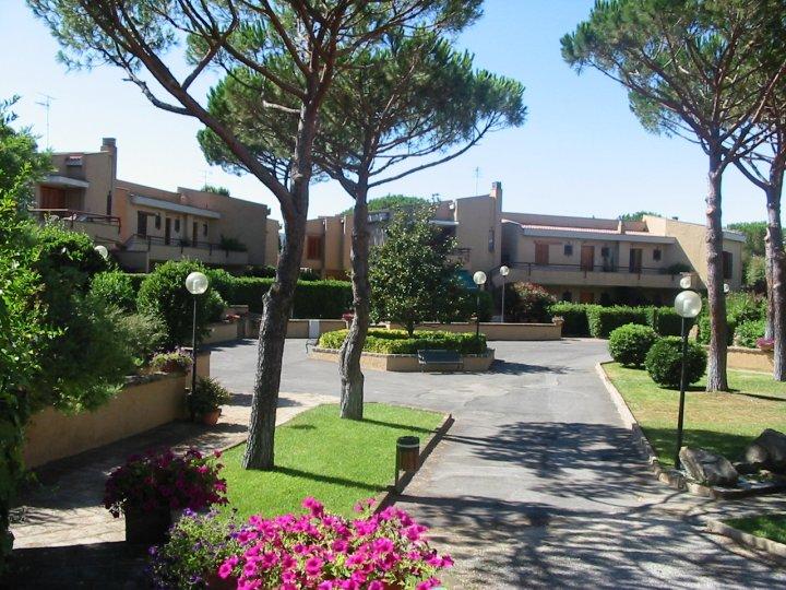 affitto residence mare castiglione della pescaia 5568 (20110227130217-2011-15695-NDP.jpg)