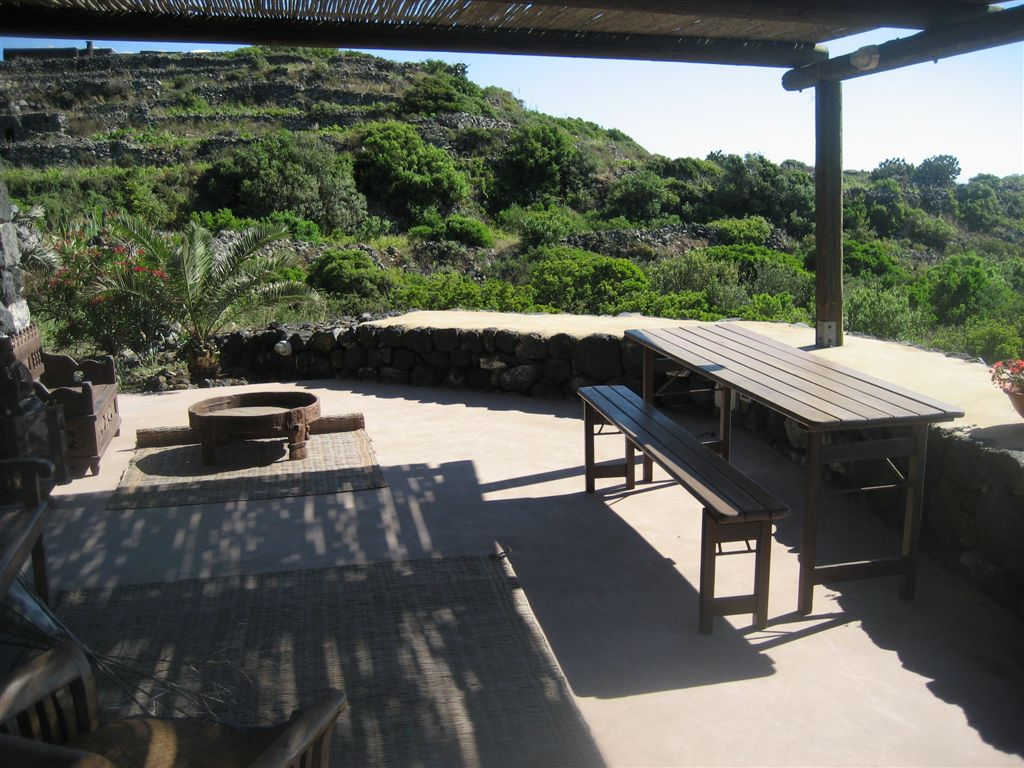 Rent bungalow seaside pantelleria