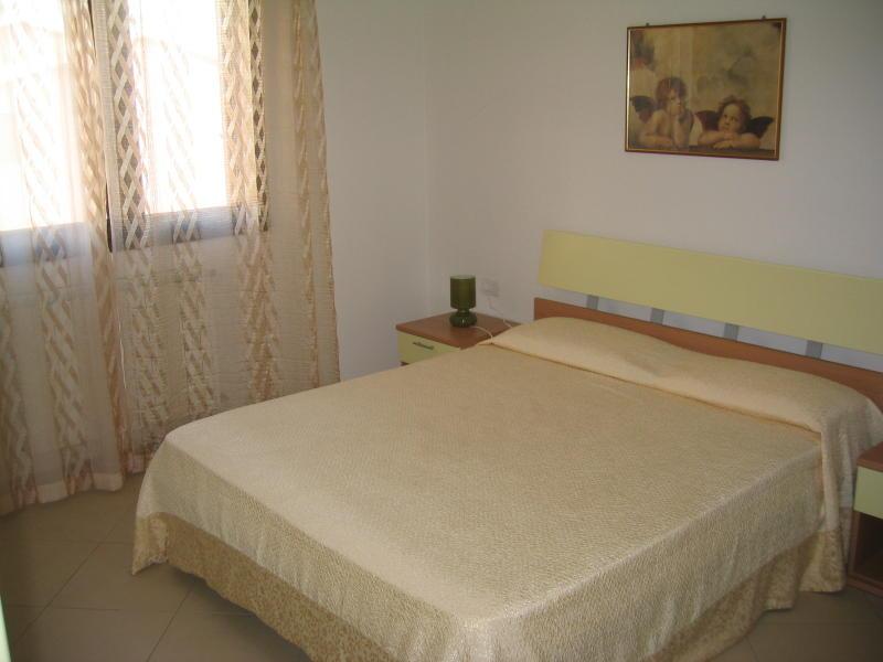 affitto appartamento mare la maddalena 6336 (20110408110447-2011-17624-NDP.JPG)