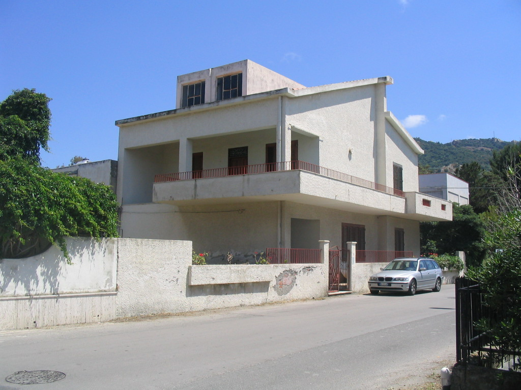 Rent villa seaside mongiove